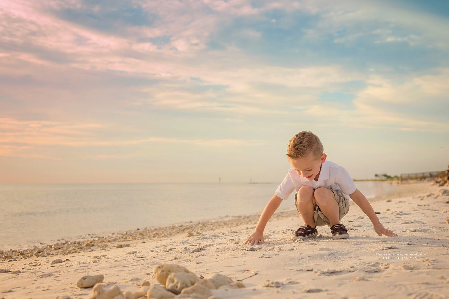 Tampa Family Photographer | Family of 3 at Honeymoon Island | Dana Nicole Photography