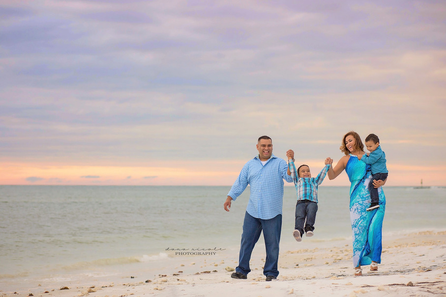 Family Photo Session at Honeymoon Island in Dunedin | Dana Nicole Photography | Tampa, FL