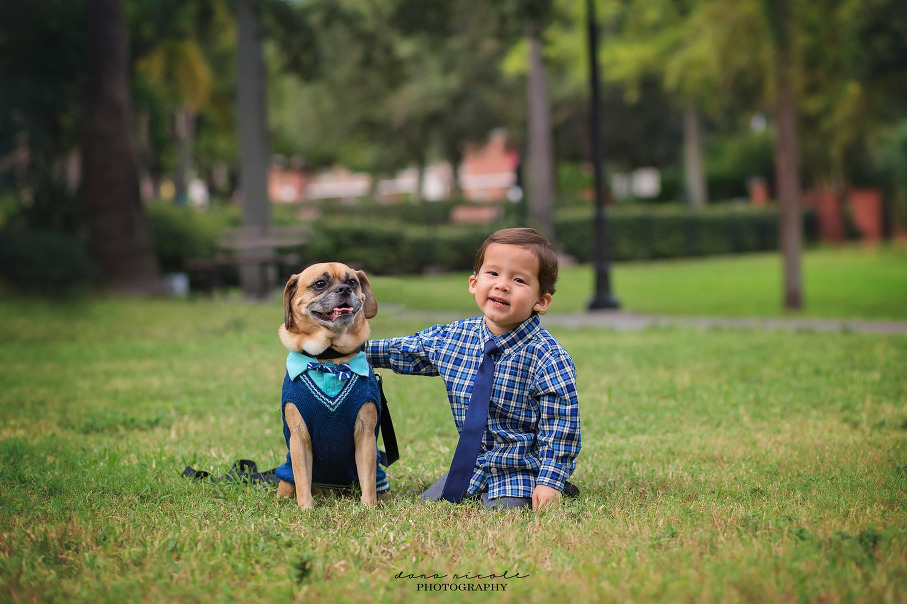 Family Photo Session at University of Tampa | Dana Nicole Photography | Tampa, FL