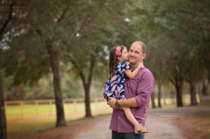Family Photo Session at Highland Park in Westchase | Dana Nicole Photography | Tampa, FL