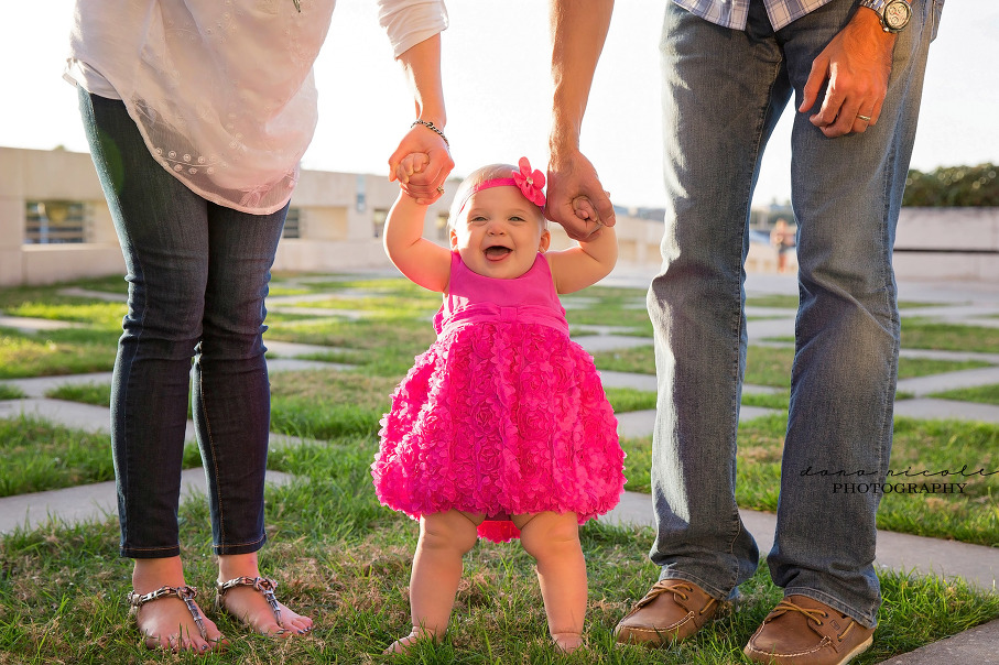 Family Photo Session at Curtis Hixon Park | Dana Nicole Photography | Tampa, FL
