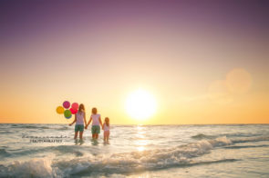Family Photo Session at Redington Beach in St. Pete | Dana Nicole Photography | Tampa, FL