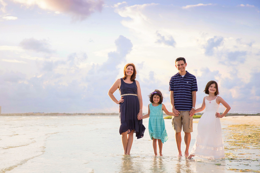 Family Photo Session at Cypress Point Park | Dana Nicole Photography | Tampa, FL