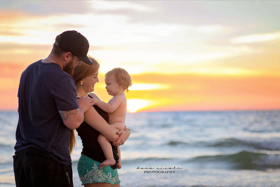 Family and First Birthday Photo Session at Redington Beach in St. Pete | Dana Nicole Photography | Tampa, FL