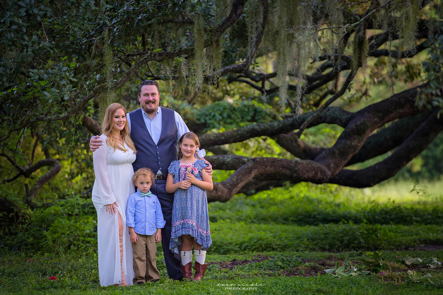 Family Photo Session at Philippe Park in Safety Harbor | Dana Nicole Photography | Tampa, FL