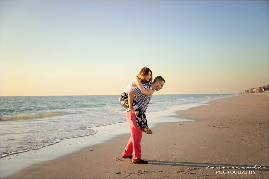Family Photo Session at Redington Beach | Dana Nicole Photography | Tampa Beach Photographer | Tampa, FL