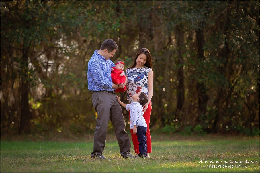 Family Photo Session at Lake Park in Lutz | Dana Nicole Photography | Tampa, FL