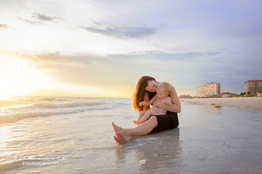 Tampa Mommy and Me Photographer at Redington Beach Pier in St. Pete | Dana Nicole Photography | Tampa, FL