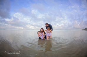 Tarpon Springs Family Photographer at Fred Howard Park| Dana Nicole Photography | Tampa, FL